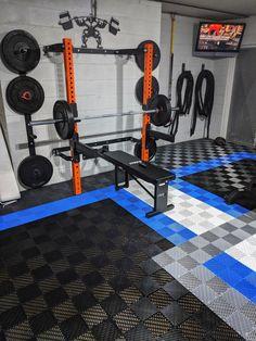Custom flooring makes the world go round. Home Gym Basement, Home Gym Garage, Diy Home Gym, Home Gym Decor, Gym Room At Home, Workout Room Home, Best Home Gym, Home Workout Equipment, Workout Rooms