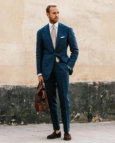 """4,159 gilla-markeringar, 63 kommentarer - Andreas Weinås (@andreasweinas) på Instagram: """"The natural beauty of heavy linen, Linen suit - @ringjacketintl, MTM Shirt - @shirtonomy, Linen tie…"""""""