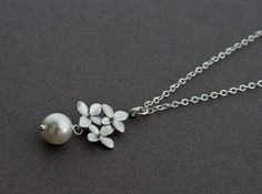 Silver Jewlery - Silver Necklace, Matte Silver Hydrangea Flower and Pearl Necklace (WN5).