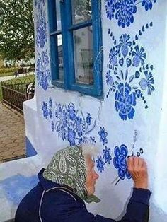 Grandmother Agnes Kašpárková delicately paints traditional Moravian ornament on an early century belltower Graffiti, Street Art, Art Populaire, Arte Floral, Urban Art, Blue And White, Blue Lace, Illustrations, Wall Art