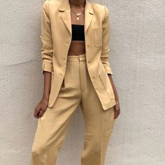 Suit color trends are a big part of summer fashion, so here are some you should wear to the office this summer! Classy Outfits, Trendy Outfits, Cool Outfits, Teen Fashion, Fashion Outfits, Womens Fashion, Cheap Fashion, Style Casual, My Style