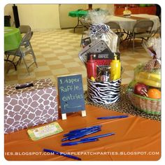 Looking to throw a Lion King baby shower? No worries. You'll find lots of inspiration, ideas (and free printables! Baby Shower Host, Lion King Baby Shower, Baby Shower Prizes, Baby Shower Themes, Baby Boy Shower, Shower Party, Baby Showers, Shower Ideas, Chelsea Baby