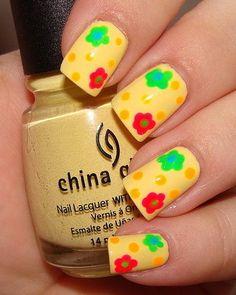 The latest tips and news on nail-art are on Beautopia Nails. On Beautopia Nails you will find everything you need on nail-art. Summer Nails 2018, Spring Nails, Trendy Nails, Cute Nails, Nail Art Designs, China Nails, Yellow Nail Art, Uñas Fashion, Nails Short