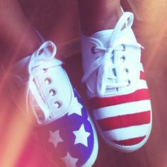 I am DEFINITELY going to draw these on a pair of white sneaks!! This is too cute ♥