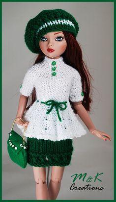 Knitting Dolls Clothes, Crochet Doll Clothes, Knitted Dolls, Barbie Wardrobe, Chunky Knitwear, Diy Barbie Clothes, Crochet Doll Dress, Knit Baby Sweaters, Barbie Patterns
