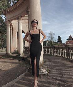 2020 black Prom Dress, Long Prom Dress Simple Prom Dress – classygown Source by hossyxsharif dresses Look Formal, Simple Prom Dress, Simple Elegant Dresses, Elegant Girl, Black Prom, Long Black, Prom Dresses, Formal Dresses, Dress Prom