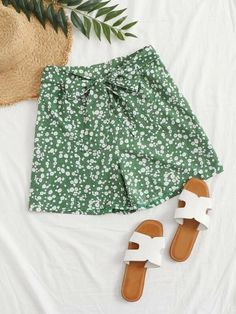 ((Affiliate Link)) Description Style:	Boho Color:	Green Pattern Type:	Ditsy Floral Details:	Belted Type:	Wide Leg Season:	Summer Composition:	97% Polyester, 3% Spandex Material:	Polyester Fabric:	Non-stretch Sheer:	No Fit Type:	Regular Waist Type:	Mid Waist Closure Type:	Elastic Waist Belt:	Yes