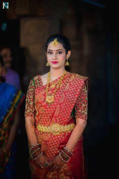 Latest Bridal Blouse Designs in Chennai, South Indian Bride - Gold Jewelry Wedding Saree Blouse Designs, Silk Saree Blouse Designs, Saree Wedding, Silk Sarees, Bridal Sarees, Indian Sarees, Wedding Bride, Dubai Wedding Dress, Wedding Blouses