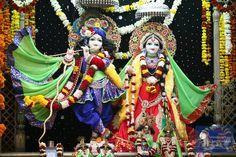 The altar at Vrindavan Chandrodaya Mandir