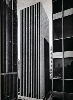 CBS Building, NYC, Eero Saarinen + Paul Weidlinger, 1964 // reinforced concrete skyscraper, inner core and perimeter walls