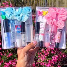 Glitter Lip Gloss, Diy Lip Gloss, Lip Gloss Homemade, Lipgloss, Mac Lipsticks, Glow Up Tips, Lip Oil, Aesthetic Makeup, Cute Makeup