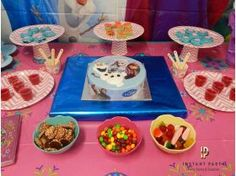 Party Ideas :: Girls Party Ideas :: Frozen Birthday Party :: Frozen Party Dessert Table