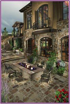 Tuscan design – Mediterranean Home Decor Luxury Mediterranean Homes, Mediterranean Architecture, Mediterranean Decor, Spanish Style Homes, Spanish House, Tuscan Design, Tuscan Style, Style Villa, Tuscan House