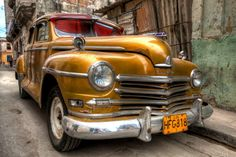 Havana 2 - Caribbean Serie by Gabriel T Toro, via Behance Original size of the work: Digital Painting Software: MyPaint [opensource] Hardware: pen tablet Havana Cars, Vintage Cars, Antique Cars, Retro Cars, Cuba Cars, Rest, Old Classic Cars, Love Car, Vehicles