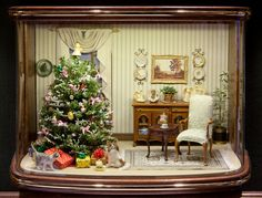 Good Sam Showcase of Miniatures: Holiday Greetings