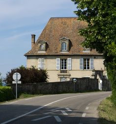 Belle maison (XVIIIe s.) à l'Agnelas, Voiron (Isère, France).
