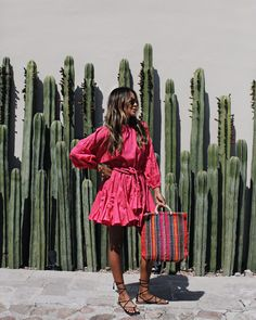The magenta will look fantastic in combination with your sun-kissed skin. Don't run away from colors like this one. Simple Summer Outfits, Spring Outfits, Trendy Outfits, Summer Dresses, Beach Outfits, Boho Chic, Bohemian Mode, Sincerely Jules, Fashion Week
