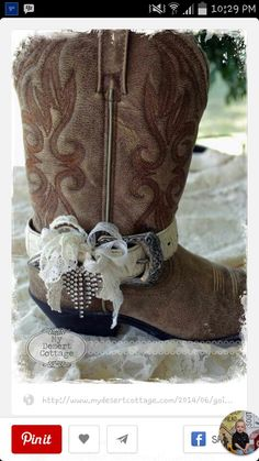 Boot Belt Ideas - repurposed belts were cut down and embellished with lace, beads, etc. This is so creative! **My Desert Cottage**: Going Boot Belt Crazy! I love this for a country-style, cowboy/cowgirl wedding! Boho Boots, Cowgirl Boots, Western Boots, Boot Jewelry, Anklet Jewelry, Bling Jewelry, Jewlery, Boot Bracelet, Wedding Boots