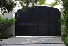 Mandeville Canyon & Westridge Road Keeping the world away: Gwyneth Paltrow and Chris Martin have erected a gate outside