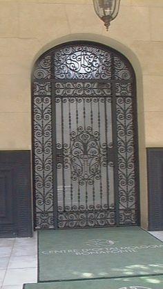 Puerta hierro en Barcelona