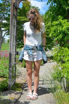 Perfect Monochromatic Spring Outfit! | monochromatic look | all white | denim cutoffs | Birkenstocks | Aritzia | Free People | Levi's | mirrored sunglasses | daniel wellington watch |  Pacific Chic: Casual Cool