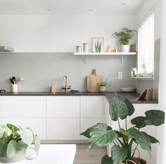 75 Small Apartment Kitchen Decorating Ideas - home/interior: accessoiries and things. - home decor Modern Kitchen Interiors, Interior Design Kitchen, Kitchen Modern, Stylish Kitchen, White House Interior, Marble Interior, Pastel Interior, White Interior Design, Eclectic Kitchen