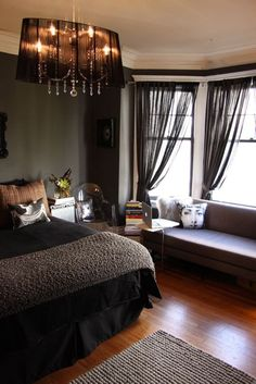 awesome 28 Dark and Romantic Cozy Bedroom Ideas https://homedecort.com/2017/08/28-dark-romantic-cozy-bedroom-ideas/
