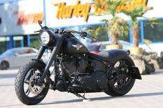 Customized Harley-Davidson Fat Boy with Vegas Cut wheels by Thunderbike Customs Germany