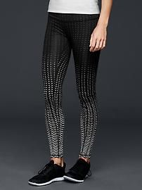Wear these GapFit gFast jacquard leggings to stay stylish whilst working out!