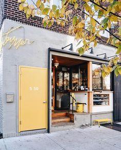 Discover ideas about shop facade Coffee Shop Design, Cafe Design, Store Design, Web Design, Design Ideas, Cafe Exterior, Exterior Design, Design Commercial, Café Bar