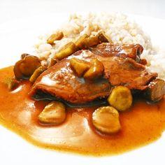 Jako vyznavači fitness nemusíte ze svého jídelníčku vyřazovat tradiční české recepty, když chytře vynecháte pár nevhodných surovin. Úprava hovězího masa na znojemský způsob je jednoduchá, chutná a při vynechání špeku či slaniny i vhodný fitness oběď či večeře.