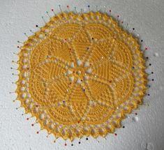 Filethäkeln - kostenlose Anleitungen Häkeln Crochet Diagram, Filet Crochet, Crochet Patterns, Fanni Stitch, Baby Dress Tutorials, Crochet Circles, Doilies, Diy And Crafts, Blanket