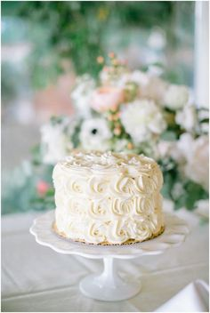 Wedding cake idea; Featured Photographer: Jacqui Cole Photography