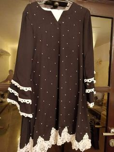 Abdullha Simple Kurta Designs, Stylish Dress Designs, Stylish Dresses, Simple Dresses, Women's Fashion Dresses, Casual Dresses, Simple Pakistani Dresses, Pakistani Dress Design, Pakistani Outfits