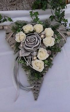 Grave Arrangement Grave Jewelry All Saints& Day Sundays Heart Rattan Heart Roses Grave Arrangement Grave Jewelry All Saints& Day Sundays Heart Rattan Heart Roses Arrangements Funéraires, Funeral Flower Arrangements, Beautiful Flower Arrangements, Funeral Flowers, Beautiful Flowers, Tissue Flowers, Faux Flowers, Grave Decorations, Flower Decorations