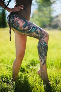 ~ New Traditional tattoo ~ woman and bird in leg
