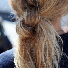 Få guiden til søde frisurer, der får håret væk fra ansigtet i sommervarmen.