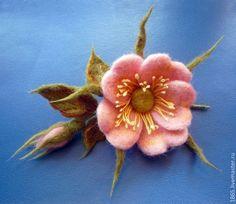 """Купить Брошь """"Шиповник"""" - брошь цветок, брошь из войлока, брошь ручной работы, Сухое валяние"""