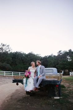 Berried Beauty: An Elegantly Rustic Shoot at Southern California's Circle Oak Ranch