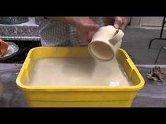 Glazing a Mug Using Multiple Glazes with Hsin-Chuen Lin