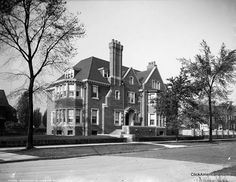 Beautiful homes in old Detroit (early 1900s) Residence of L.H. Jones, Detroit, Mich