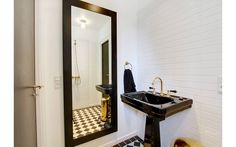 NeoClassica basins / Bistrot taps / Retro floor tiles by AQUADOMO