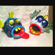 Totally made with clay and hand painted by my mom! Clay Art Projects, Sculpture Projects, Ceramics Projects, Sculpture Ideas, Clay Fish, Ceramic Fish, Ceramic Art, Clay Pinch Pots, Middle School Art Projects