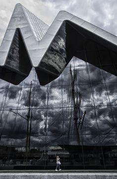 Glasgow Riverside Museum - love the funky roofline