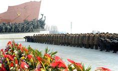 김일성동지와 김정일동지의 동상에 인민군장병들과 각계층 근로자들8