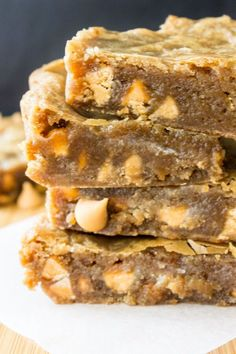 Butterscotch Blondies are chewy, gooey & fudgy with a rich butterscotch taste and filled with butterscotch chips. One bowl & no mixer!
