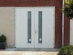 geisoleerde-houten-garagedeuren