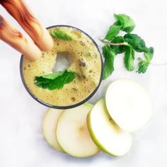 Pears and herbs in this delicious palate-cleansing concoction. Get a nutritional boost with pear mint ginger juice.