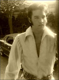 Elvis at home in CA '70 1174 Hillcrest Drive... then & now... bought May 7th 1967