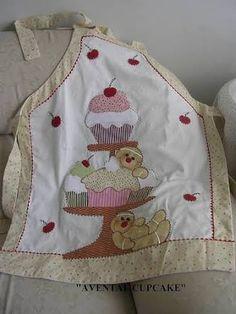Resultado de imagem para tipos de patchwork Bird Applique, Applique Quilts, Watercolor Quilt, Pinafore Apron, Sewing To Sell, Shabby Fabrics, Sewing Aprons, Apron Designs, Aprons Vintage